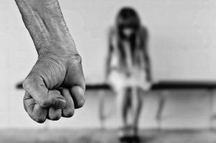 מוחים נגד אלימות נגד נשים. אילוסטרציה: פיקסהביי