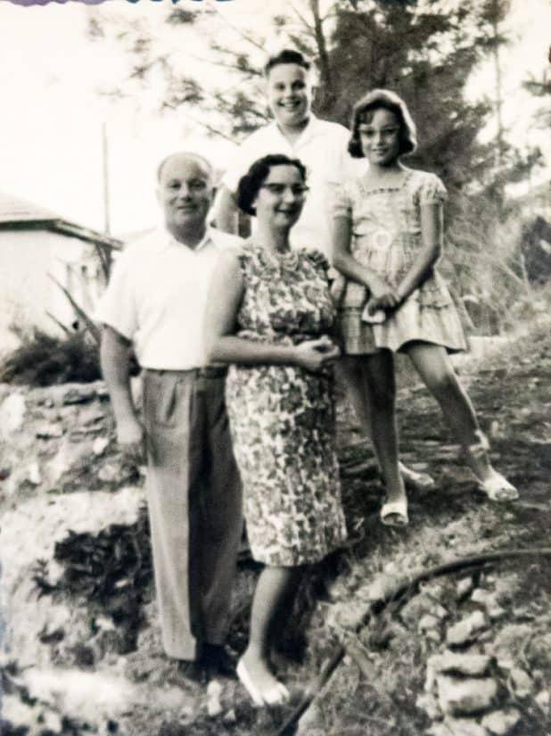 משפחת פישר טרם העליה רפרודוקציה אלכס הובר