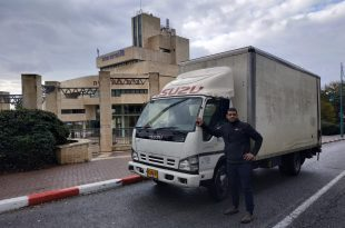 המשאית הגנובה שאותרה (צילום דוברות העירייה)