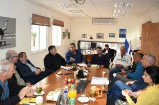 מהפגישה (צילום: מועצה אזורית חוף הכרמל)