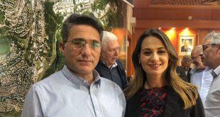 שרת השיכון יפעת שאשא ביטון וראש העירייה משה קונינסקי צילום עיריית כרמיאל