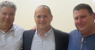 זקוקים ליציבות ניצן מאיר, שי כהן וחבר הכנסת עודד פורר (במרכז)  צילום: ליאת אבוחצירה בן דרור
