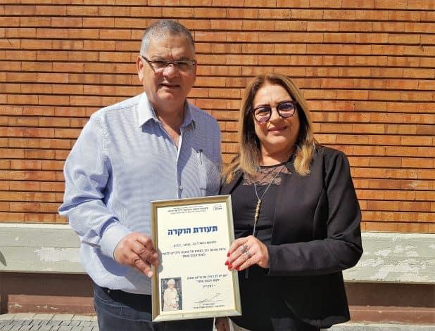 ראש העיר אלי ברדה עם אפרגן (צילום עצמי)