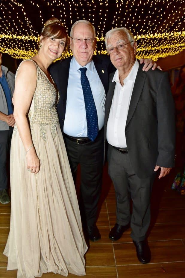 בחתונת הבת, דניאל. עם נשיא המדינה ראובן ריבלין | צילום: מאיר אלמלם