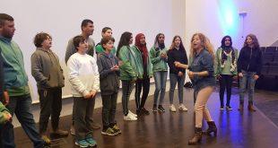 המקהלה המשותפת לתלמידי חוף הכרמל וג'סר א זרקא