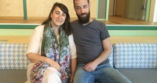 מימין: שגיא ואנה נוימן בבית טום (צילום: נירית שפאץ)