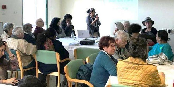 """מפגש גמלאים במתנ""""ס אולגה. צילום: עיריית חדרה"""
