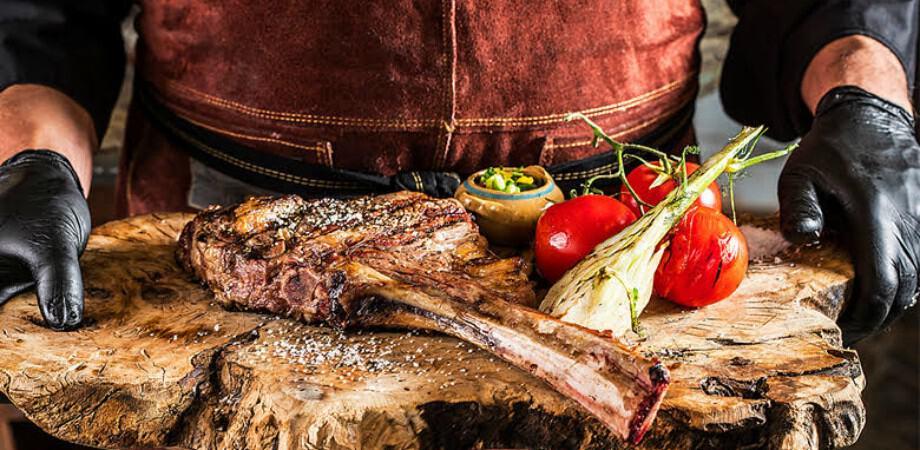 """""""פה מבינים בבשר"""" צילום: שף עובדיה"""