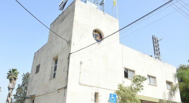 """כאן תקום נקודת מד""""א. בית העם בגבעת עדה (צילום: אסנת פרץ)"""