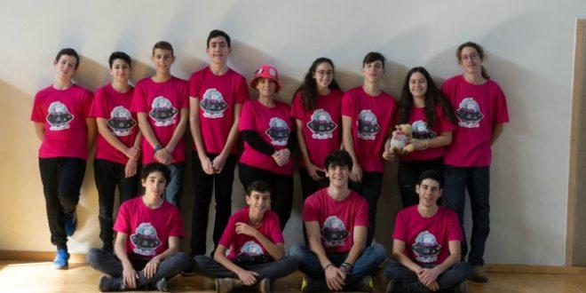 קבוצת הרובוטיקה (צילום: עידן בנטל)