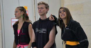 דוד חייקין עם שחקניות הסדרה אנג'ל ברנס ודריה פורר | צילום: אביב חופי