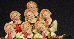 ריקוד נשים רוסי עממי בלבוש מסורתי להקה - rovesniki