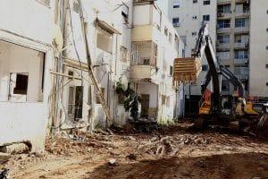 הריסת הבניינים בפתיחת פרויקט פינוי בינוי הראשון בחדרה, ברחוב הנשיא. צילום: שלומי גבאי, עיריית חדרה