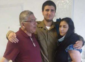 משפחת בוזגלו מתאחדת (צילום עצמי)