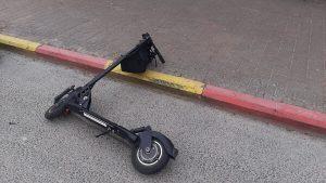 רוכב קורקינט חשמלי נפצע קשה. זירת התאונה | צילום: איחוד הצלה
