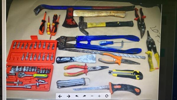 כלי הפריצה שנתפסו ברשות החשודים | צילום: דוברות המשטרה