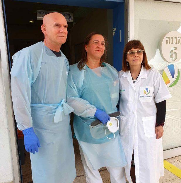צוות רפואי בבית חולים העמק (צילום דוברות בית החולים)