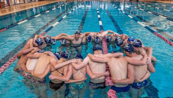 שחייני אגודת הספורט מכבי קרית ביאליק | צילום: דף הפייסבוק - מכבי קרית ביאליק שחייה