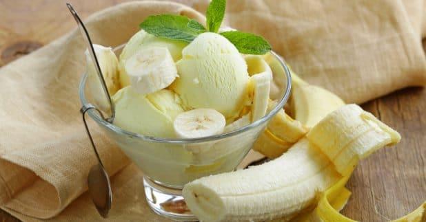 הגלידה טעימה, יש בה חתיכות בננה. אז יופי | צילום: shutterstock