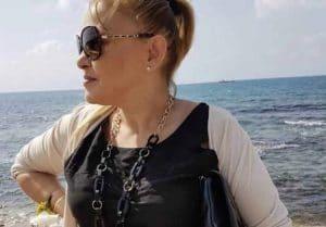 אילנית קלינרמן על חוף הים (צילום עצמי)