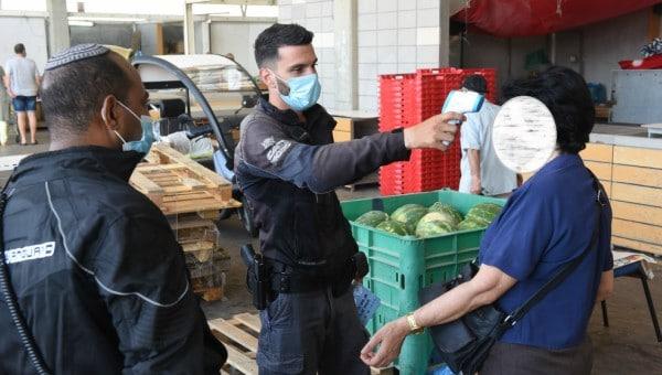 פעולות אכיפה ומניעה בשוק העירוני בקרית אתא | צילום: דוברות העירייה
