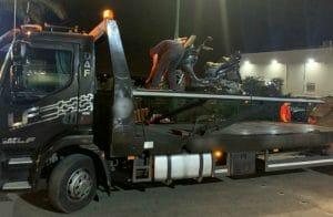 """קטנוע שהושבת ע""""י המשטרה נגרר מירכא צילום: דוברות המשטרה"""