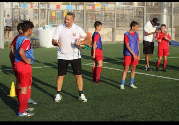 רן בן שמעון באימון נוער באקדמיה
