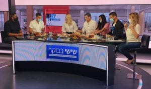 אכרם הייב (משמאל) בתוכנית הבוקר של 12 (צילום עצמי)