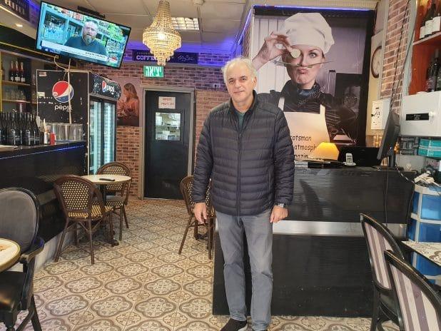 גיא גולן במסעדה  צילום: איילת קדם