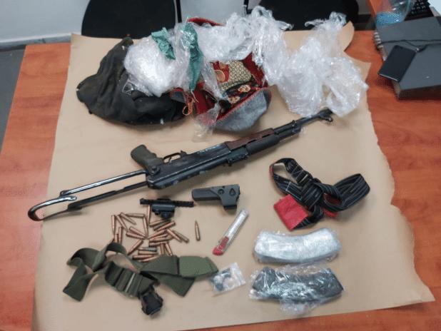 הנשק שנתפס (צילום: באדיבות דוברות המשטרה)