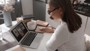 יתרונות הלמידה בזום | צילום: pexels-cottonbro
