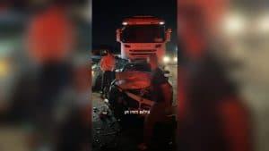 תאונת דרכים במחלף ישי   צילום: דודו חן