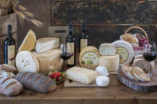 גבינות שירת רועים | צילום: אנטולי מיכאלו