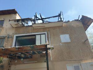 שריפה בדירה בקרית מוצקין | צילום: דוברות כיבוי אש