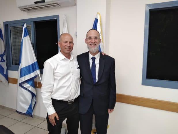 ראש העיר עפולה עם סגנו החדש   צילום: בנימין גולד
