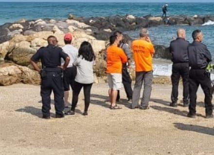 גופת הנעדר נמצאה בחוף הים בחדרה | צילום: דוברות המשטרה
