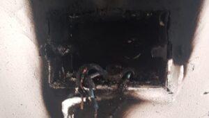 מפסק דוד החשמל עלה באש בדירה בחדרה | צילום: כיבוי אש