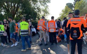 35 אנשים פונו לבית החולים לאחר ששאפו כלור בבריכה בכפר ורדים | צילום: איחוד הצלה