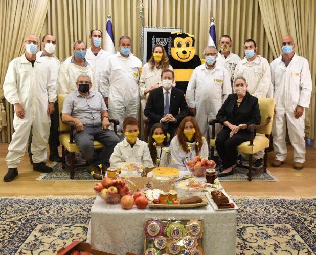 הדבוראים בבית הנשיא (צילום מארק ניימן)